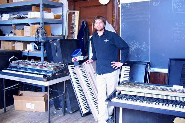 Vintage electric piano repair including Wurlitzer and Rhodes