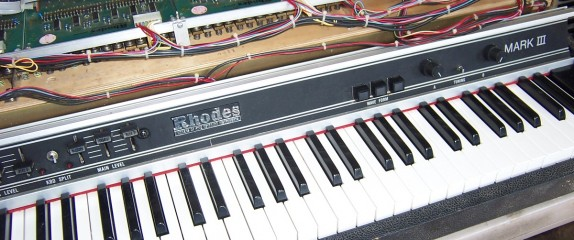 Working on a very rare Rhodes Mark III electric piano